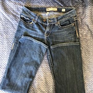 BKE Buckle culture Jeans.